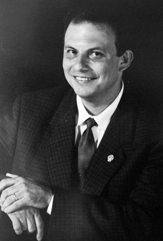 Dr. Miguel Urina Triana 2001-2003