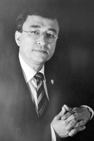 Dr. Adolfo Vera Delgado 1999-2001